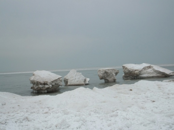 January 27, 2013, looking east along lakeshore, Wilmette, Illinois, Gillson Park