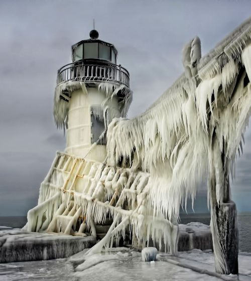 In Michigan, this lighthouse almost completely froze over.